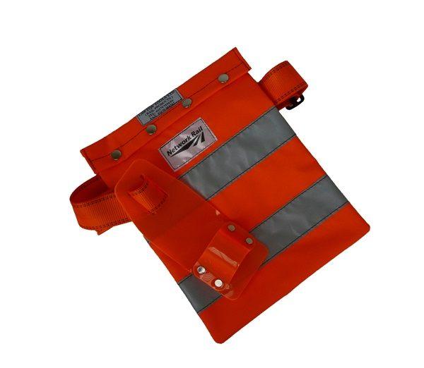 0111/104227 Hi-visibility bag with adjustable waist band and tool holster