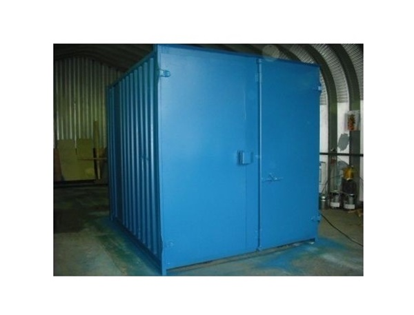 0111/113638 Steel storage container, 10' long x 8' wide